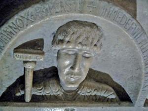 Detall del sarcòfag de l'abat Isarn, a l'Abadia de Sant Víctor