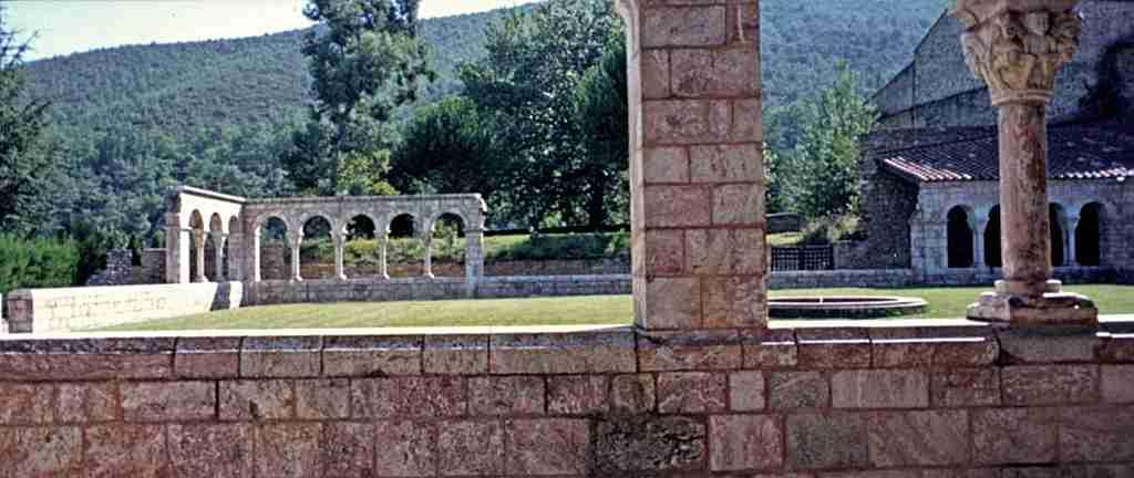 Claustre del monestir de Sant Miquel de Cuixà, Catalunya Nord