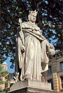 Estatua del Rei Renat I, fill de Violant, a Aix de Provença.