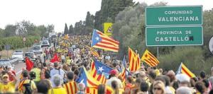 La Via Catalana començava amb el tram 0 en el límit amb el País Valencià, on encara s'hi va poder endinsar uns centenars de metres gràcies a una sentència del Tribunal Superior de Justícia de València anul·lant una prohibició governativa prèvia.
